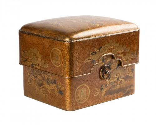 Tebako - Gold lacquer box with landscape Japan Edo 19th