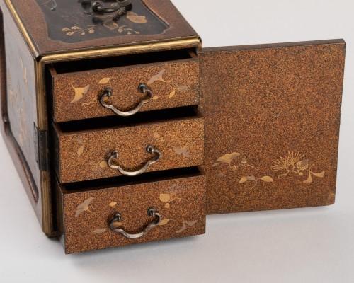 Antiquités - A KODANSU miniature cabinet, Japan Edo 19th century