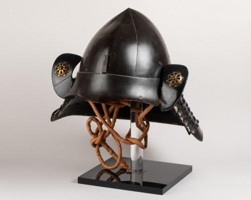 Asian Works of Art  - Kabuto - black lacquer helmet of momonari shape Japan Edo 18th