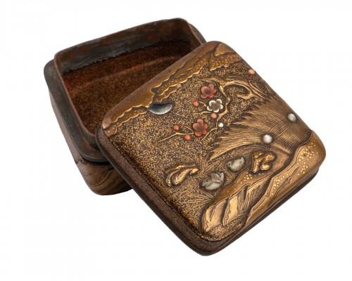 Kogo-small lacquer box with manadin ducks Japan Edo 18th