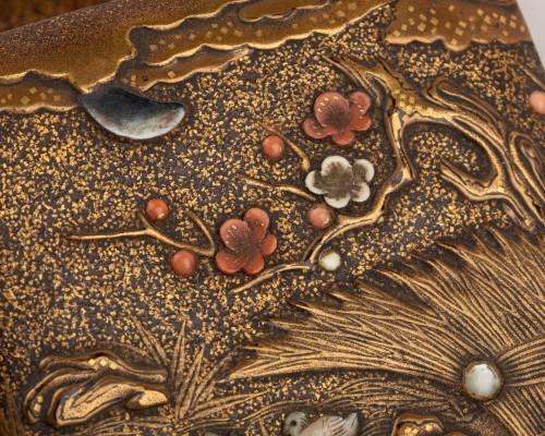 - Kogo-small lacquer box with mandarin ducks Japan Edo 18th