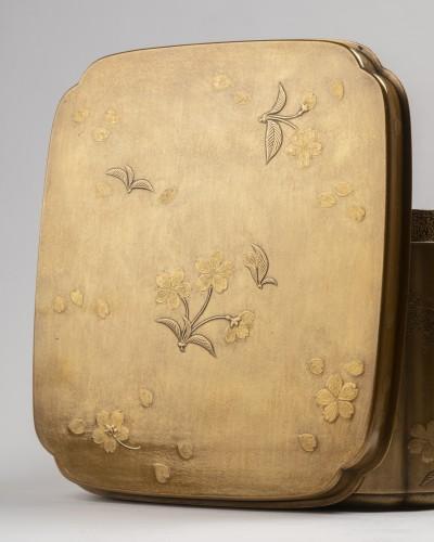 17th century - Rare lacquer box Tebako gold lacquer. M. et H. Dean. Japan Edo late 17th