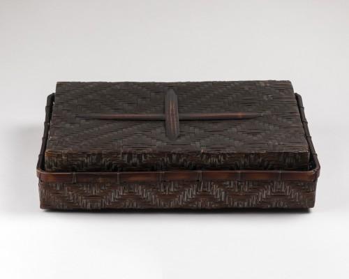 Asian Works of Art  - Smoked bamboo box, Japan Meiji 20th century