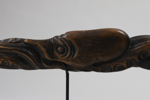 Wood carved Tantô Unusual and beautiful octopus shape. Japan Edo -