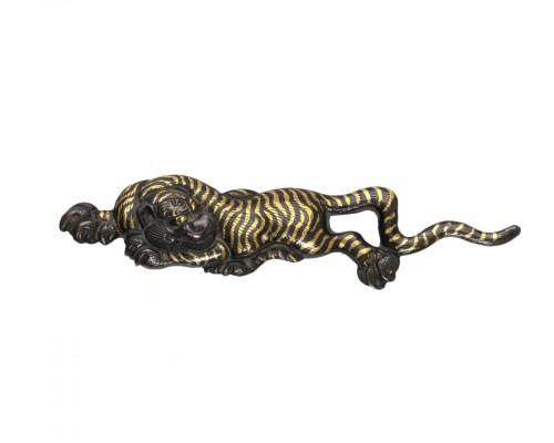 Menuki gold tiger  Japan Edo 19th century