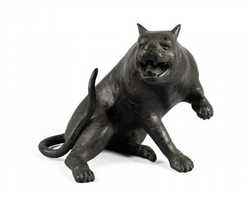 Bronze tiger. Japan Edo
