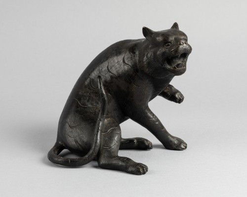 Asian Works of Art  - Bronze tiger