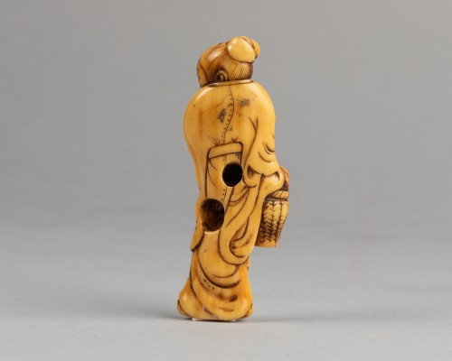 NETSUKE – Chinese woman carrying a fruit basket - Asian Works of Art Style