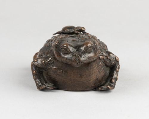 - Bronze toad
