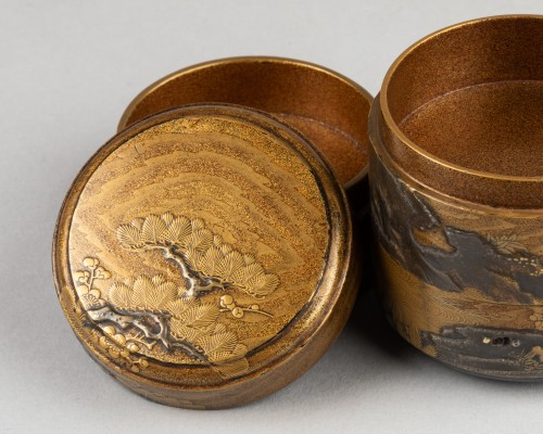 17th century - Three-tier lacquer Jukogo - Plum and Pine trees. Japan Edo