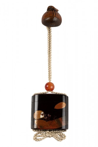 Complete sagemono with chestnuts netsuke, japan edo