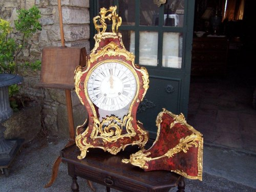Large cartel clock with matching wall shelf - Clocks Style Louis XV