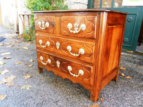 Louis xiv period parisian chest of drawers -