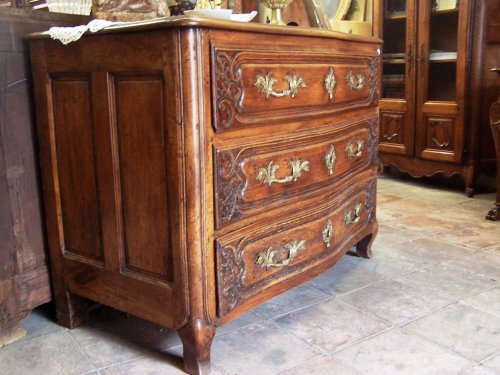 Furniture  - Lyon, 18th c french chest of drawers