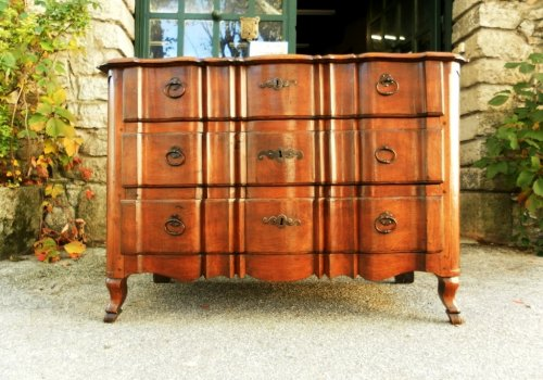 18th Century French commode or chest of drawers