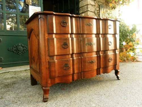 18th century - 18th Century French commode or chest of drawers