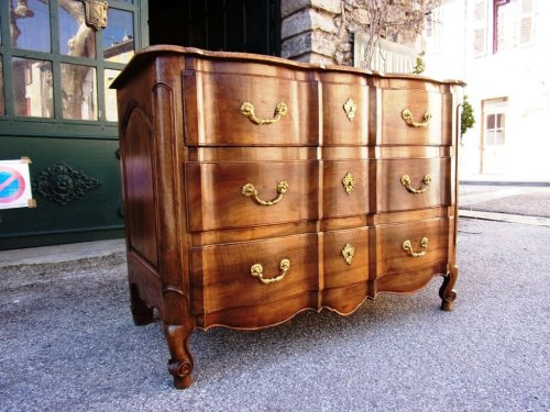 French 18th century walnut commode   -