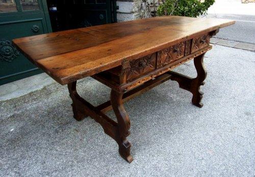 mobilier de style louis xiii meubles et objets d 39 art antiquit s page 4 anticstore. Black Bedroom Furniture Sets. Home Design Ideas
