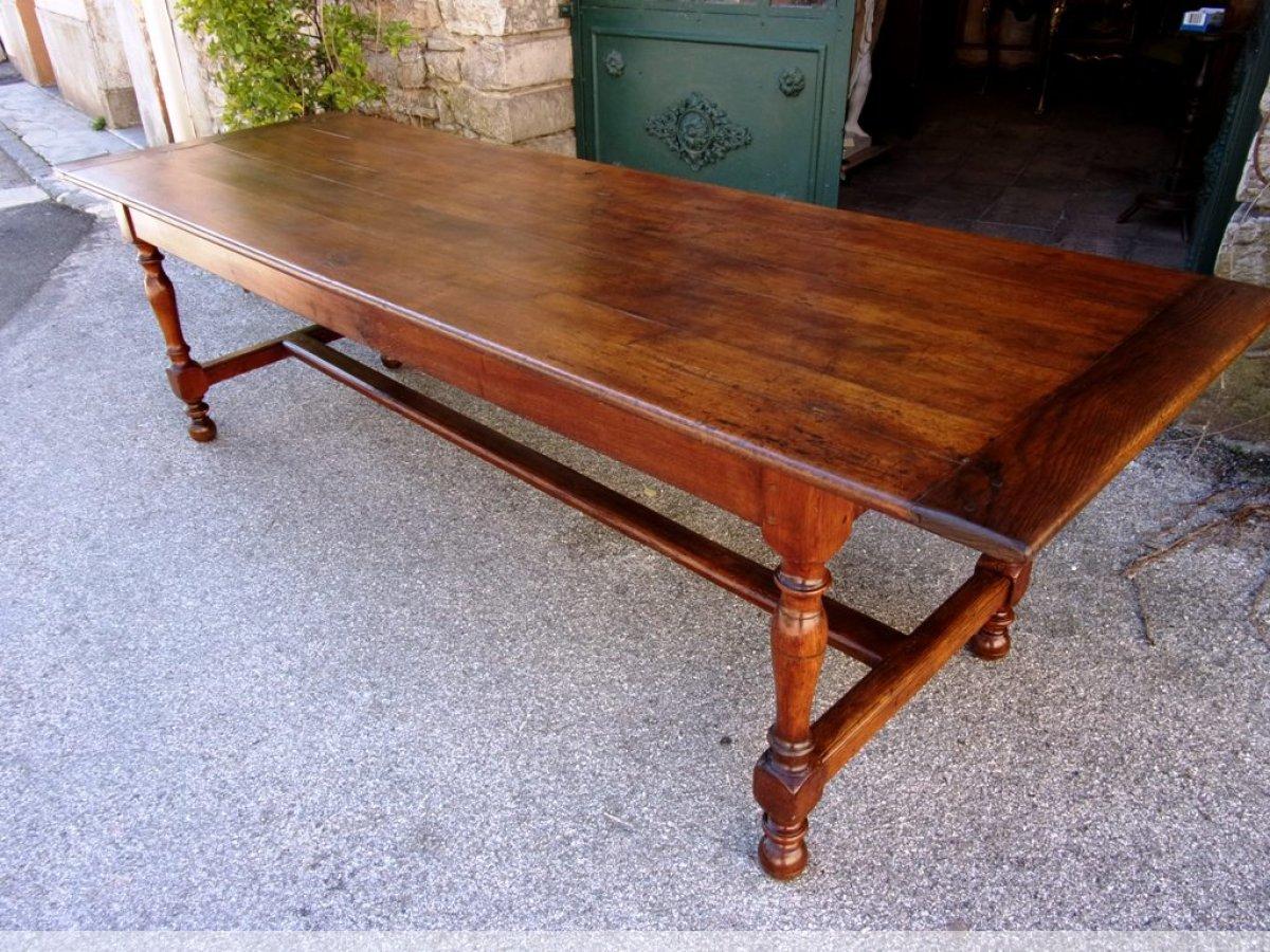 grande table de communaut en merisier et ch ne xixe. Black Bedroom Furniture Sets. Home Design Ideas