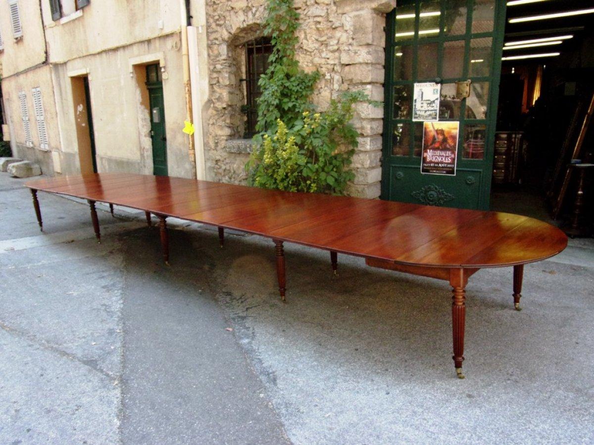 Exceptionnelle table de banquet en acajou à 10 pieds - XIXe siècle ...