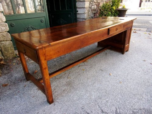 Furniture  - 18th C farmhouse table in oak with bread compartment