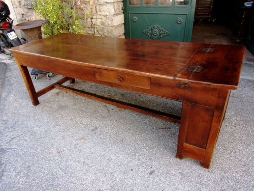 18th century - 18th C farmhouse table in oak with bread compartment