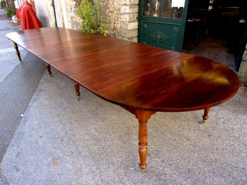 French Restauration period table in mahogany