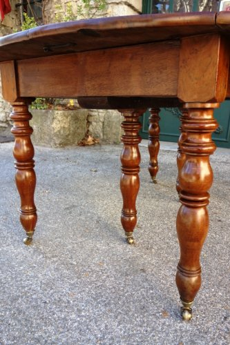 French Restauration period table in walnut - Restauration - Charles X
