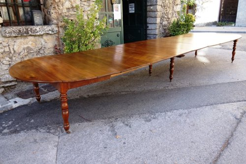 Restauration - Charles X - French Restauration period table in walnut