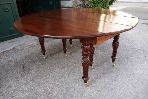 19th century - Restauration period french table in mahogany
