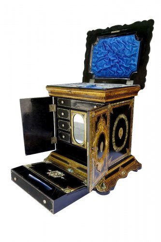 Travel Cabinet for lady - italy late 19th century