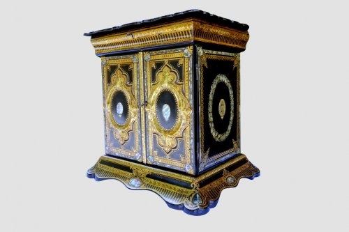 Furniture  - Travel Cabinet for lady - italy late 19th century