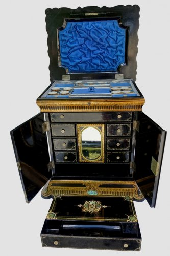 Antiquités - Travel Cabinet for lady - italy late 19th century