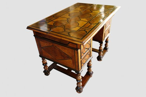 Mazarin office with broken top, end of the 17th century - Furniture Style Louis XIV