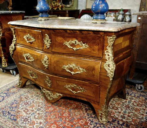 Louis XV -  Commode tomb in marquetry of rosewood stamped Migeon, XVIIIth