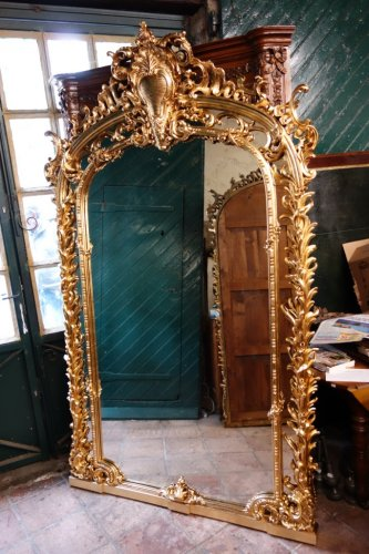Mirrors, Trumeau  - Monumental pair of giltwood mirrors, 243 cm