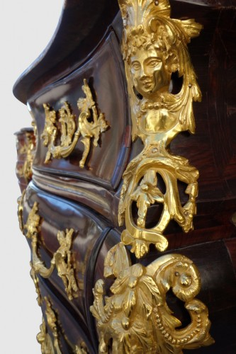 Louis XV - Louis XV tomb chest of drawers