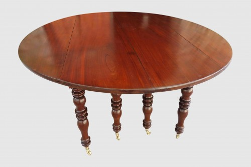 Furniture  - Large banquet table in solid mahogany