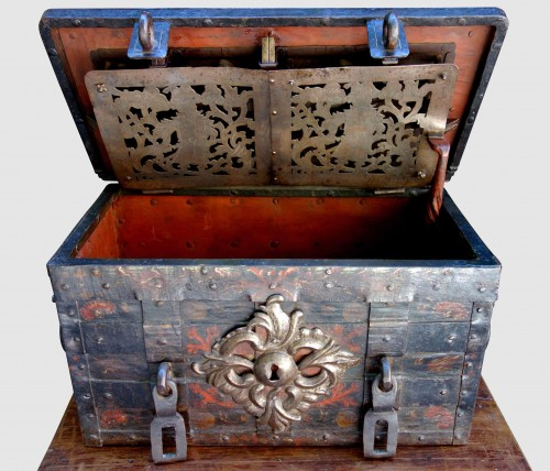 Renaissance - A 17th century Nuremberg chest
