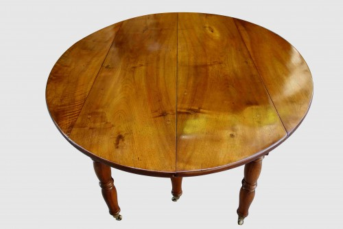 Large table with 6 Jacob Jacob walnut legs from Isère, Directoire period - Furniture Style Directoire