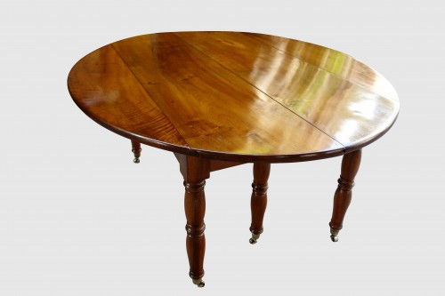 Furniture  - Large table with 6 Jacob Jacob walnut legs from Isère, Directoire period