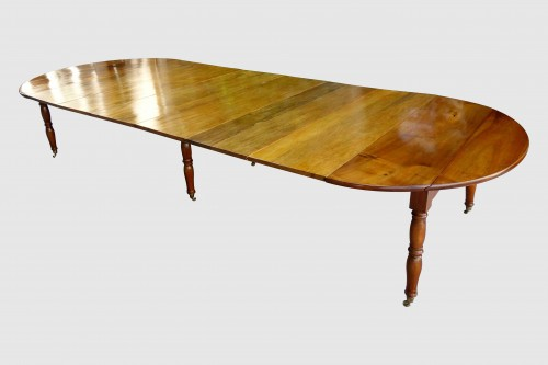 Large table with 6 Jacob Jacob walnut legs from Isère, Directoire period - Directoire