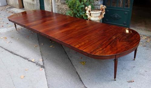 """Important """"Cuba mahogany"""" banquet table  -"""