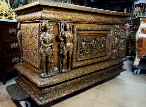 Large chest of the Second Renaissance with allegories of the four seasons -
