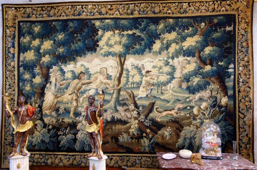 "Antiquités - Large Aubusson tapestry ""The Fox Hunt"", early 18th century"