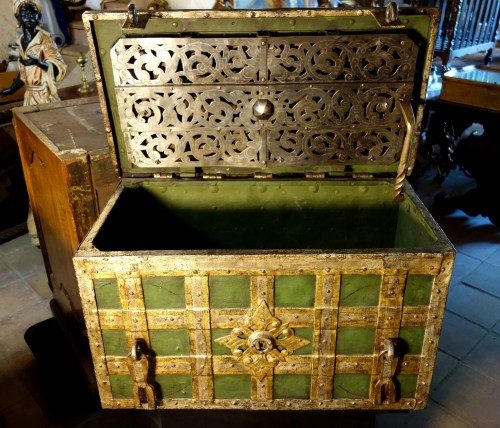 Renaissance -  Large polychromed Nuremberg chest