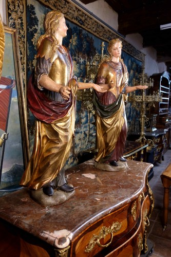 18th century - Pair of Venetian maids in polychrome and gilded wood