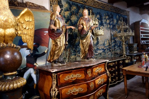Pair of Venetian maids in polychrome and gilded wood -