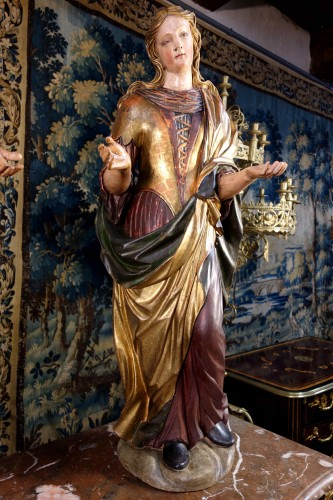 Antiquités - Pair of Venetian maids in polychrome and gilded wood