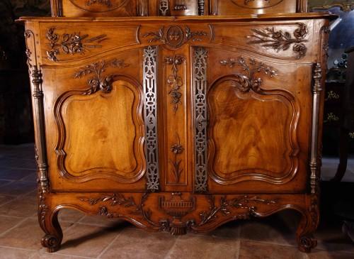 Furniture  - Provencal Arles sideboard in walnut, 18th century
